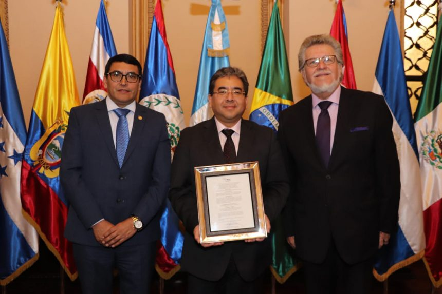 OLACEFS President Becomes Honorary OCCEFS Member